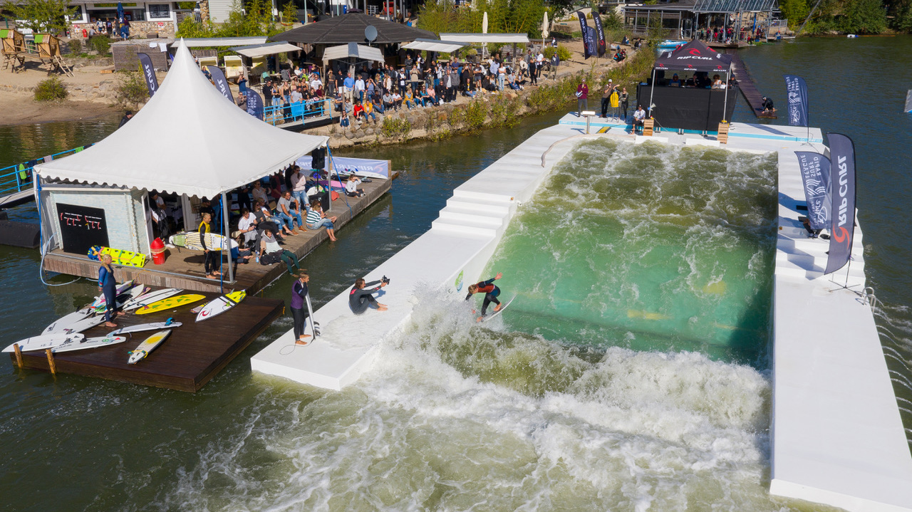 Rapid Surf League event