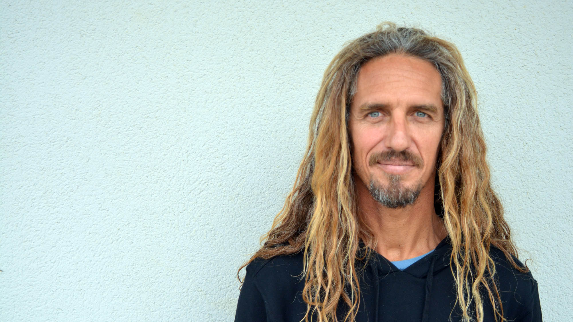 A photo of Rob Machado by WavePoolMag