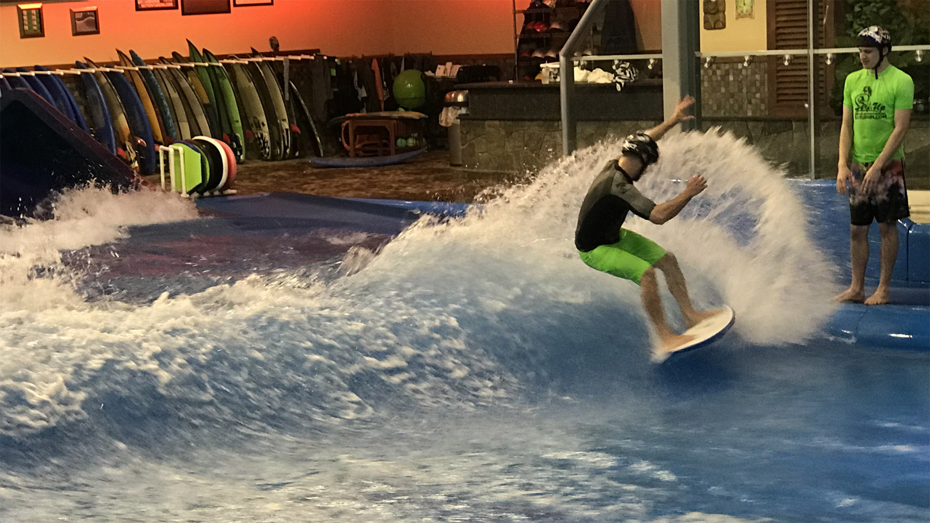 surfboard for wave pool