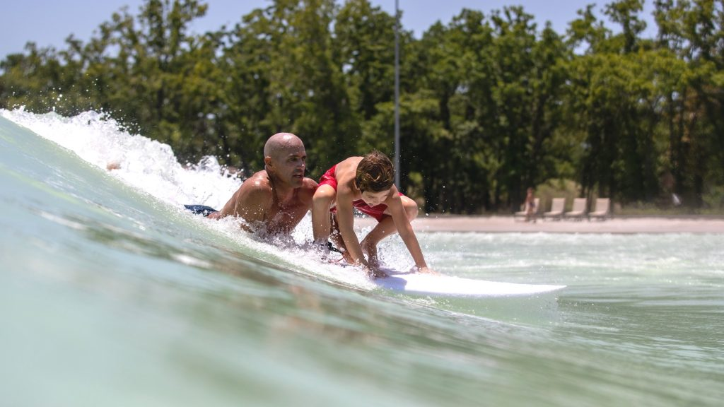kelly slater in texas wave pool