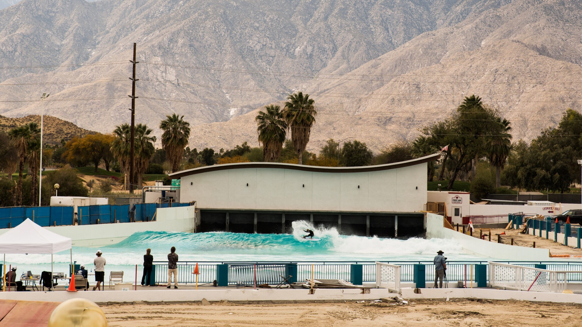 SurfPool system at Palm Springs Surf Club