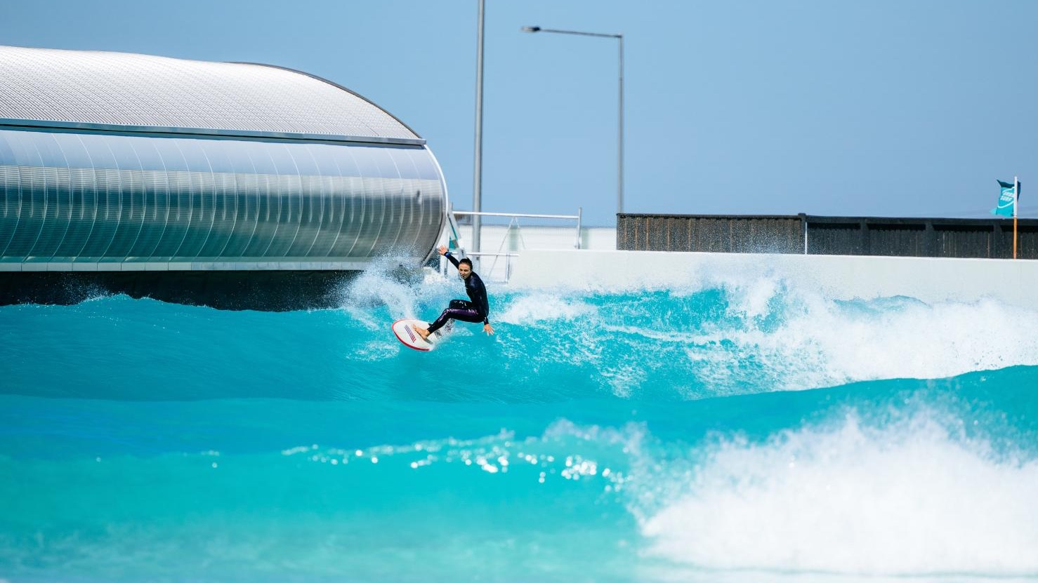 surfing at urbnsurf melbourne